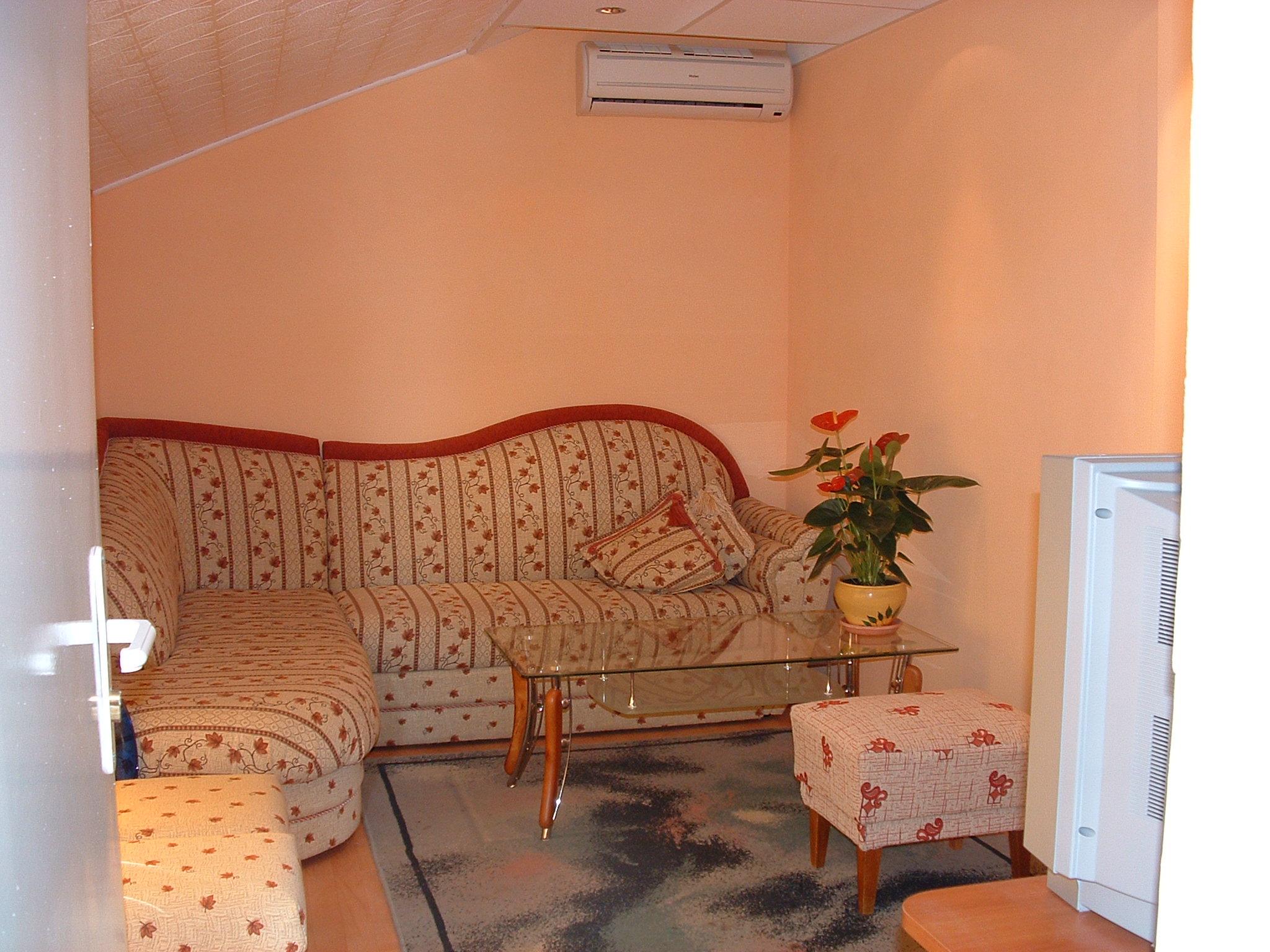 4. apartment 35m2 living room