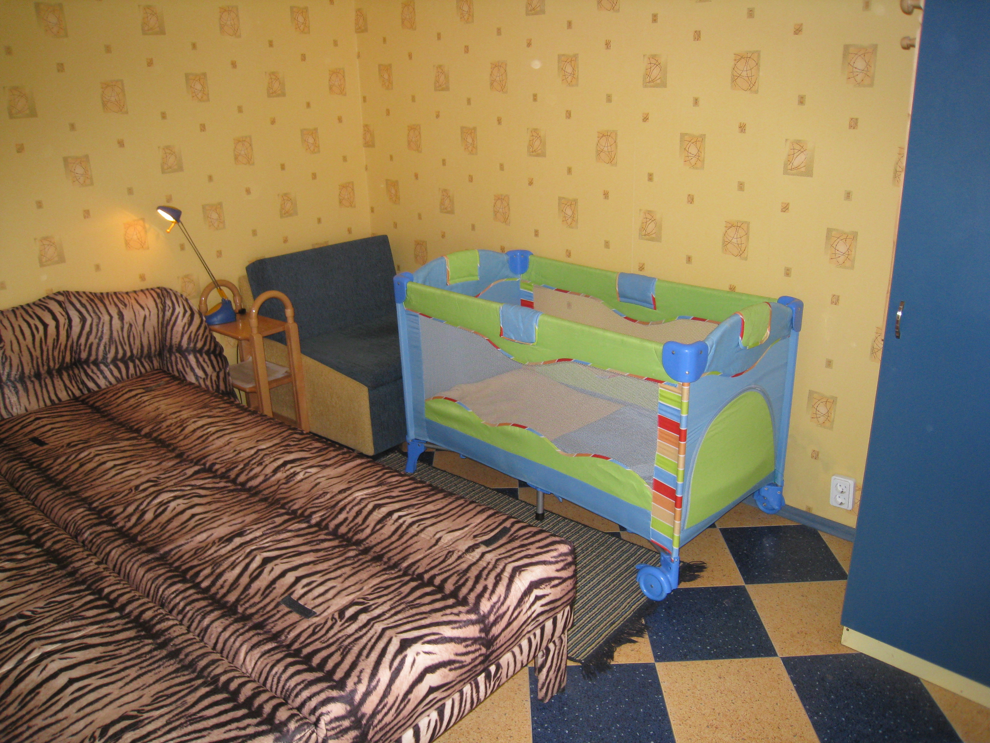 15. room12 children bed