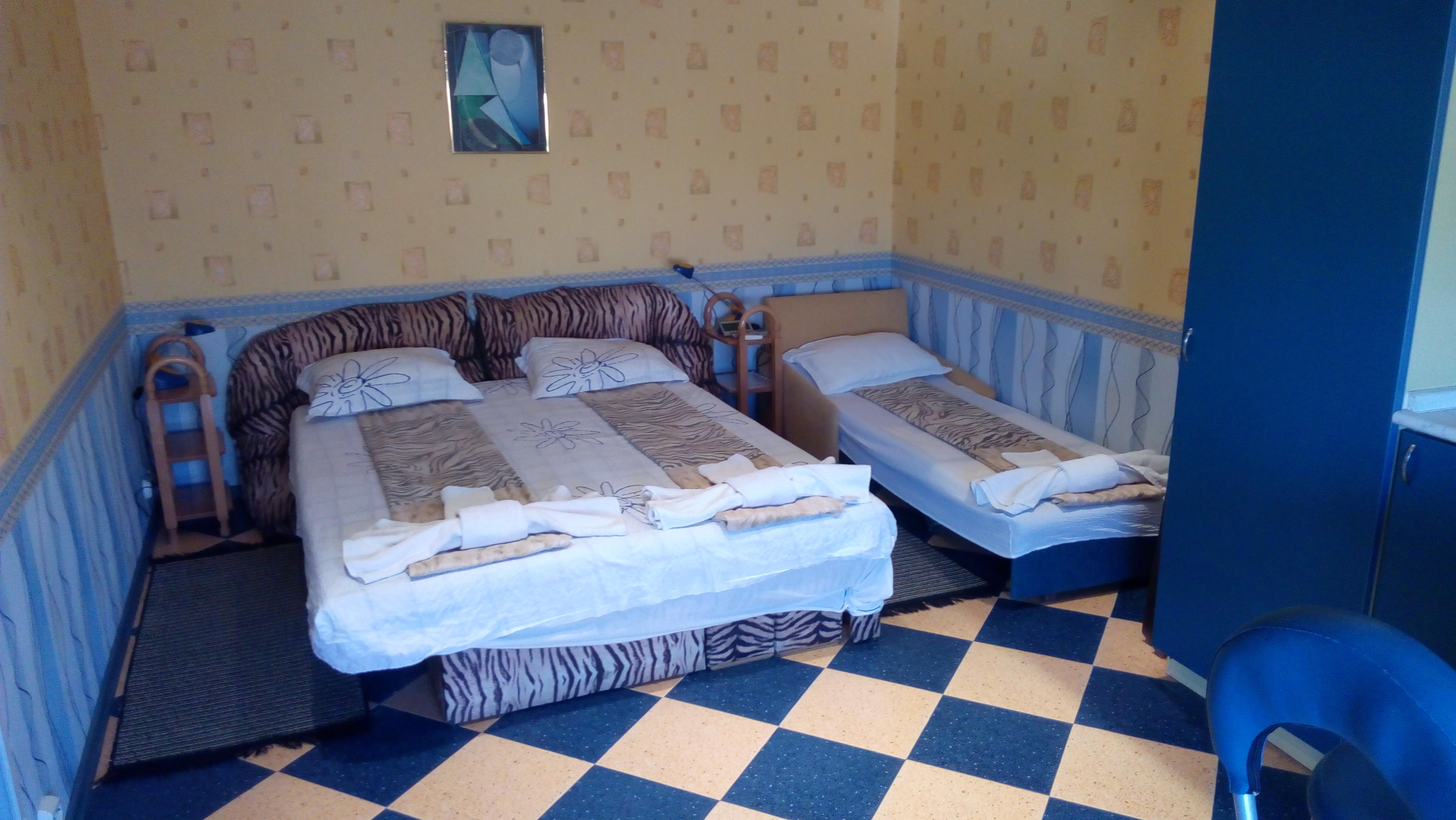 1 bedroom 12