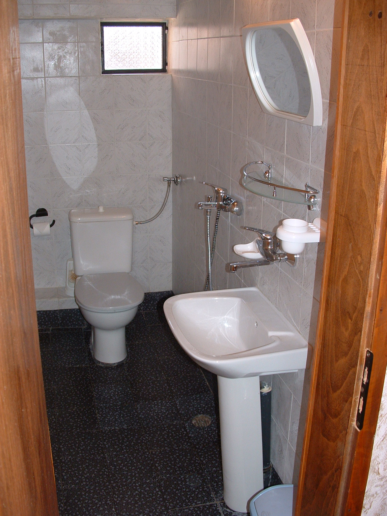 6. room 33 bathroom