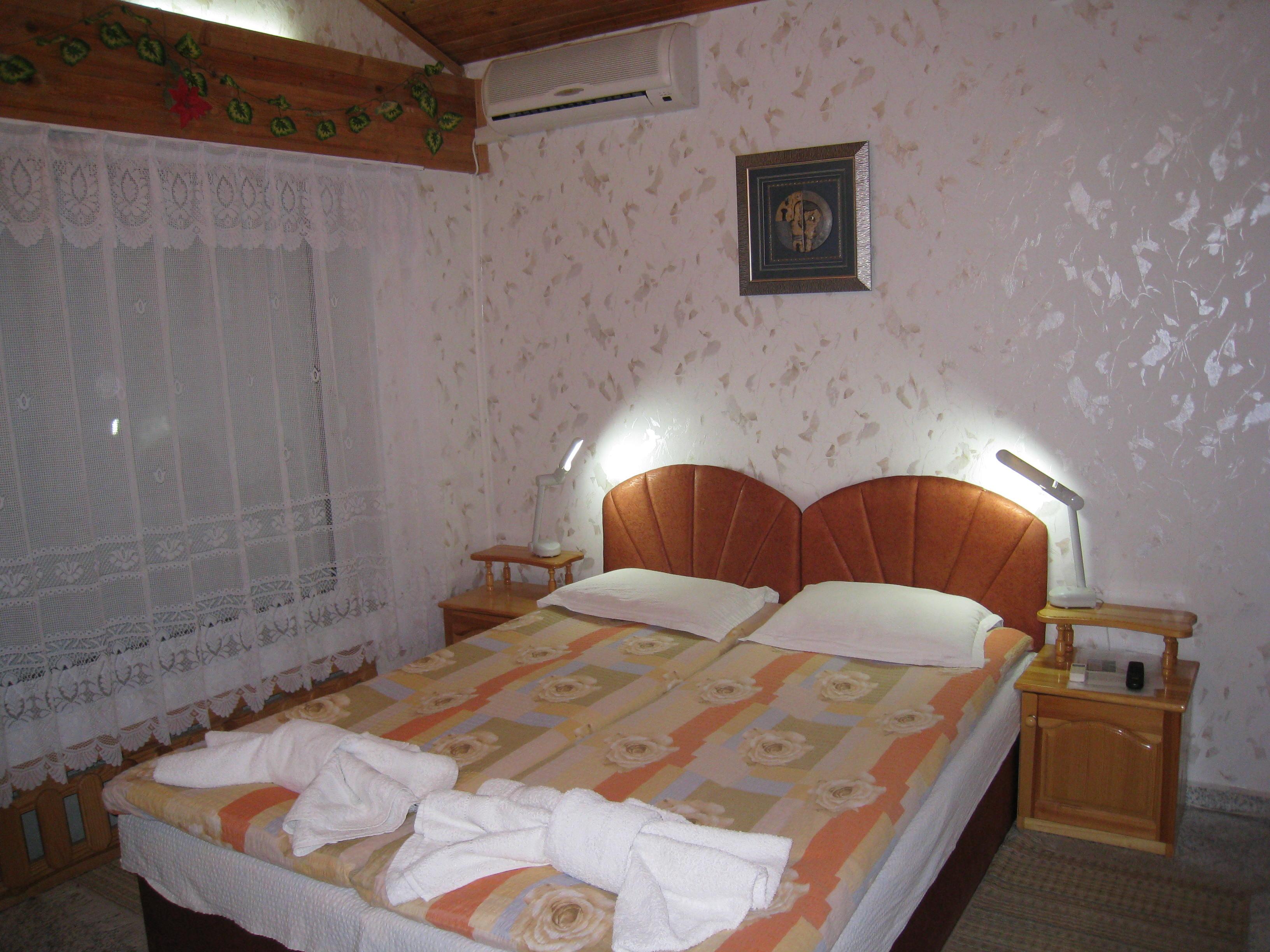1. room36.