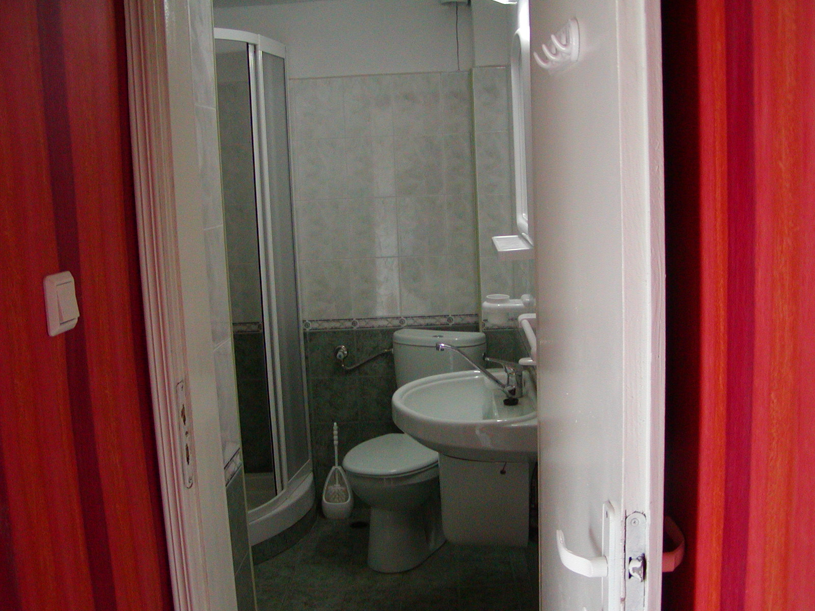 8. room 37 bathroom